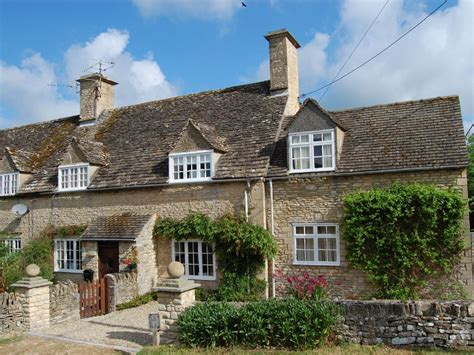 cottage rentals cotswolds easterleigh cottage cotswold period cottage