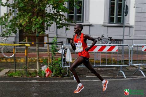 alimentazione preparazione maratona correre una maratona in 3 ore la tabella di allenamento