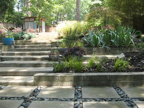 concrete garden retaining wall with pavers retaining wall
