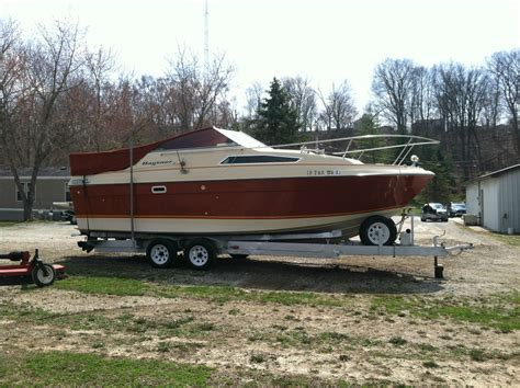 bayliner saratoga cabin cruiser 1981 for for 3 500