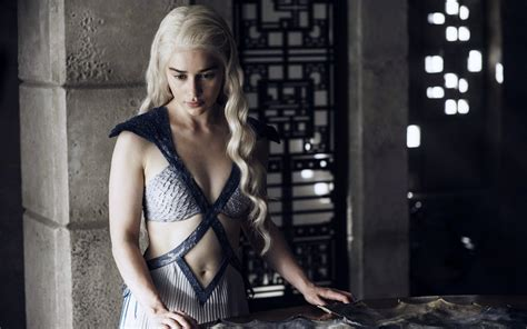 emilia clarke game of thrones 2015 emilia clarke game of thrones wallpapers hd