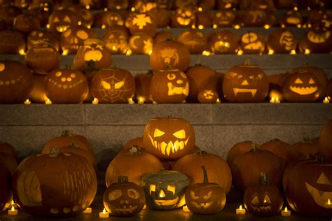 how did pumpkins get associated with 2016 history of pumpkin carving and trick or