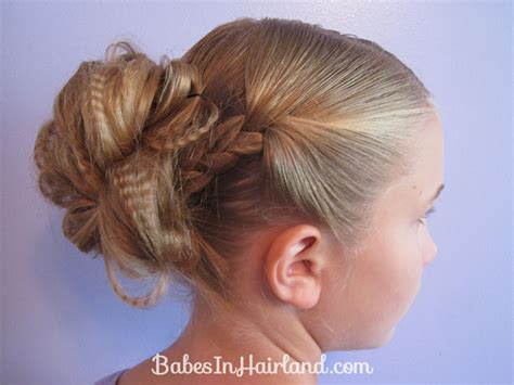 easy hairstles for court two easy messy buns for short or long hair babes in hairland