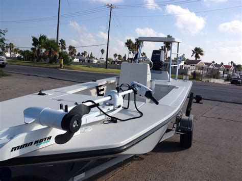 pathfinder boat rod holders 2000 pathfinder 17t with yamaha 60hp 2 stroke the hull