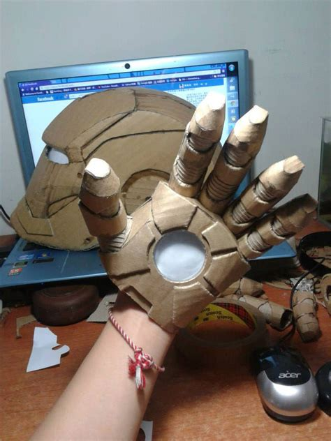 How To Make Paper Iron Suit - student makes size iron suit using only cardboard