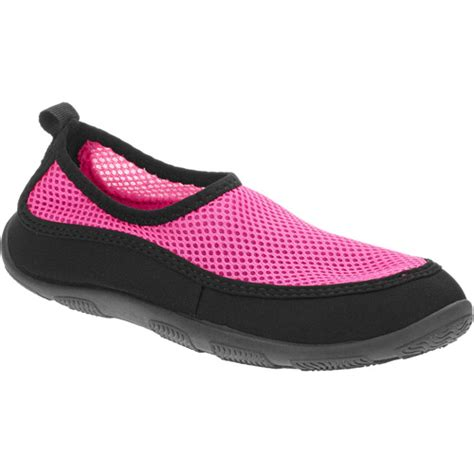 Shower Shoes Walmart by What Your Pool Side Shoe Choice Says About Your