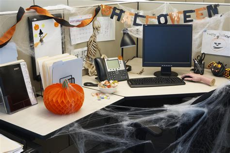halloween themes for the workplace fun ways to celebrate halloween at work