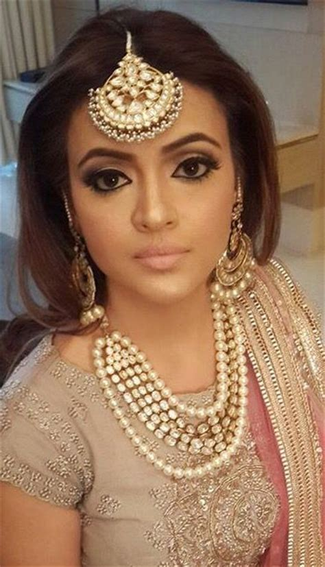 Wedding Hairstyles With Jewels by Indian Wedding Hairstyle For Wedding And Reception With Jewels
