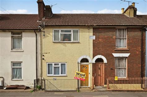 1 bedroom flat for sale in luton 1 bedroom flat for sale in luton road chatham kent me4