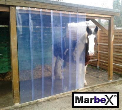 lamellenvorhang stall stallvorhang der vorhang f 252 r stall pferde offenstall