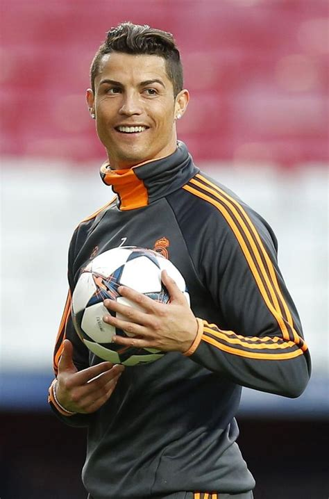 awesome footballer haircuts best 25 cristiano ronaldo hairstyles ideas on pinterest
