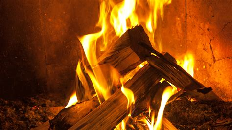 How To Make Paper Logs For Burning - how to build a without burning the
