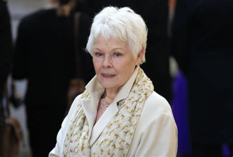 what products to use to get judi dench hair why olivia colman missed the golden globes and the chance