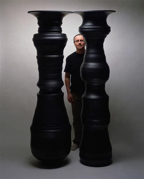 Optical Illusion Vase by Artist Makes Optical Illusion Vases That Create Secret