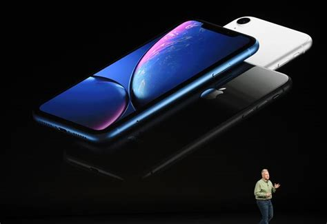 apple s colourful iphone xr price and uk release date announced huffpost uk