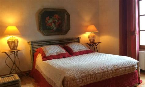 chambre avec vue saignon provence chambre d h 244 tes du caroubier 224 quentin la