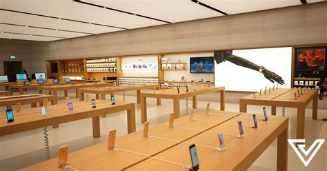 apple x singapore apple orchard road is probably one of its best stores yet