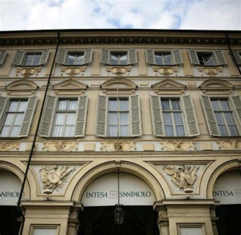 bank intesa krisen regierung in rom will zwei krisen banken mit bis