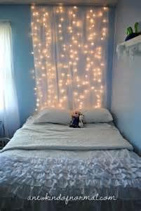 Hang Christmas Lights In Bedroom - http kidsmopolitan com luces de navidad para todo el ano decoraci 243 n habitaci 243 n infantil