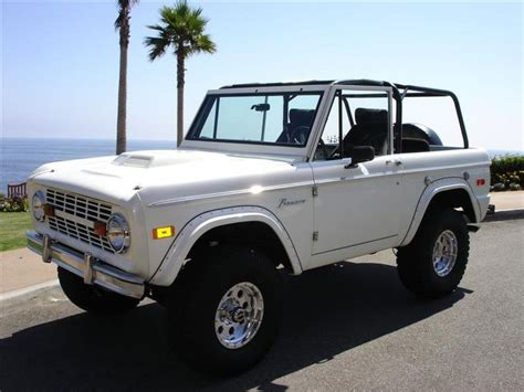 jeep bronco white white early ford bronco search bronco