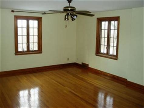 Should oak floor stain match my stained woodwork? (Pics