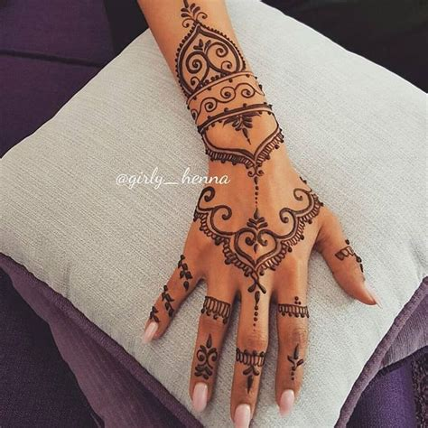 henna tattoo op hand best 25 henna designs ideas on