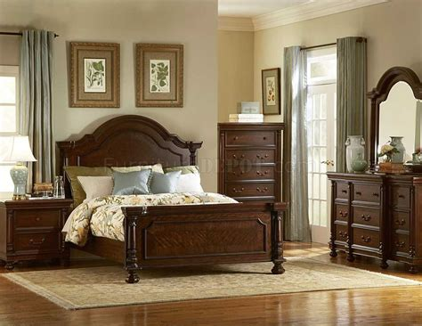 dark brown finish traditional bedroom w optional items