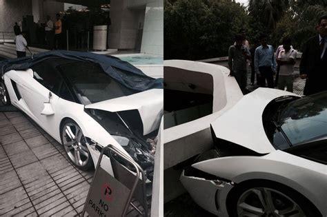 crashed lamborghini for lamborghini gallardo spyder crashed in new delhi by hotel