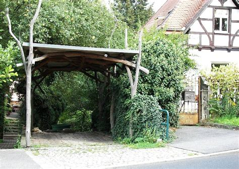 Garten Carport by Carport Tolle Idee Der Gestaltung Carport Aus Holz Naturholzstangen Haus Sch 246 Ner Garten