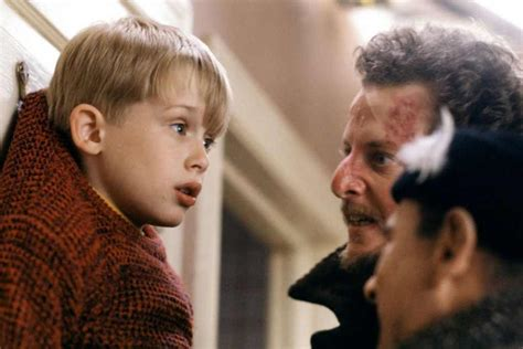 someone solved the plot in home alone so we