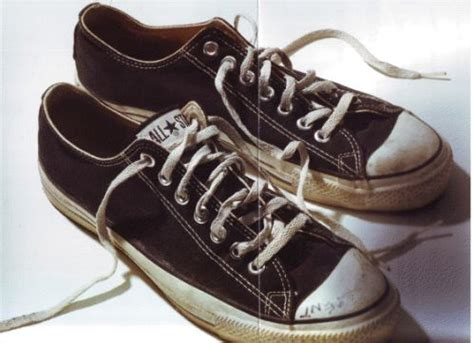 Sepatu Converse Kurt Cobain 64 best images about converse on kurt cobain black and white photography and
