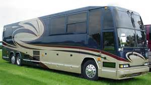Sleeper Coach Rental by Usa Charter Inc Entertainer Coaches