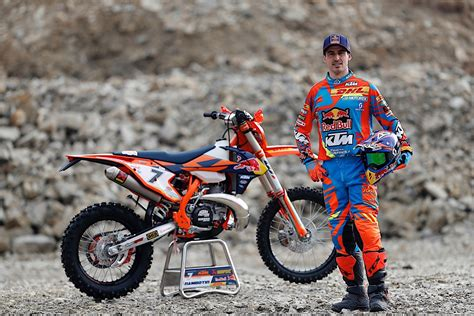 Ktm Racing Ktm Enduro Racing Team Is Ready For 2017 Season