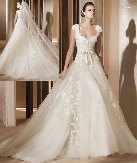 wedding dresses for women with large hips      Heart