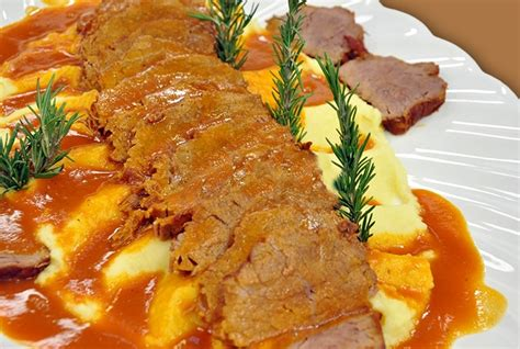 soslu kzartma tarifi resimli yemek tarifleri mahmure yemek p 252 reli soslu rosto resimli tarifi f o o d beef