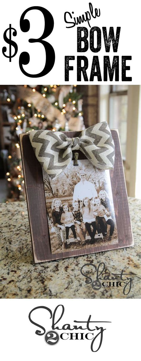 a cutie idea for a christmas picture fram and easy diy bow picture frames gift idea 12days72ideas diy
