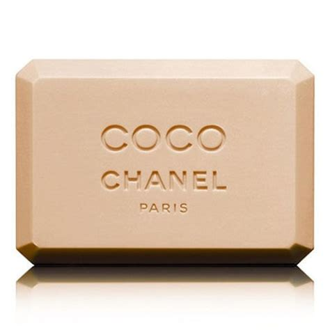 coco chanel bathroom 15 best fashion gifts under 50 cheap and stylish gift