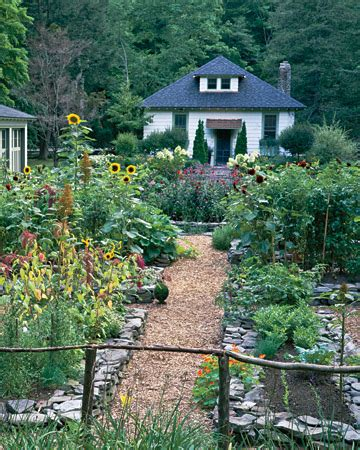 Mo Pie Please How Does Your Garden Grow Martha Stewart Vegetable Garden