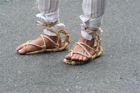 japanese sandal 4 most traditional types of japanese shoes japan info