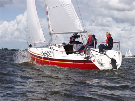 zeilboot fox 22 fox 22 kajuit zeilboot harderwijk botentehuur nl