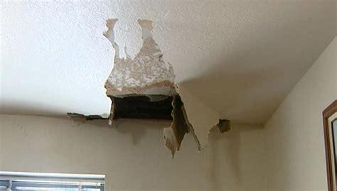 artikel membuat cetakan gypsum awas ini penyebab plafon gypsum rumahmu bisa roboh