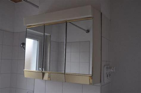 spiegelschrank zu verschenken alibert spiegelschrank mit beleuchtung spiegel schrank in