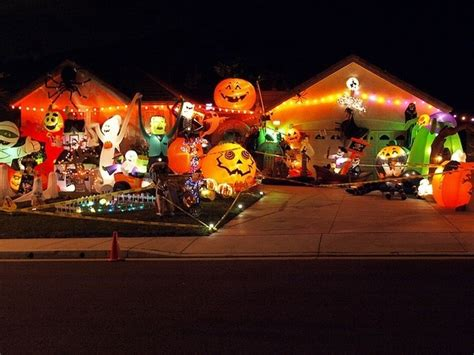 homes decorated for halloween best 16 halloween houses for geeky families