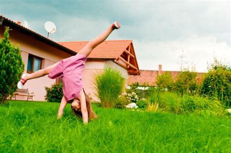Little Girls Flashing Children   bathurst public school bans shorts for girls