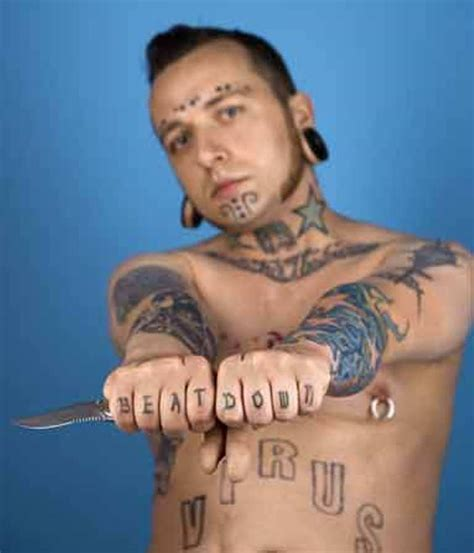 tattoo gangster 9 stylish gangster finger tattoos