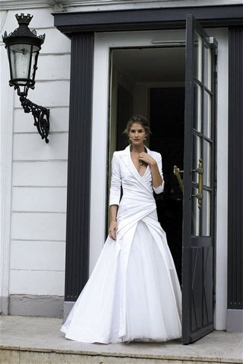 Fabulous Dresses Top 7 Picks by Wedding Dresses For The 40