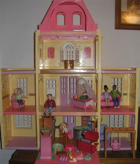 Fisher Price Loving Family Twin Time Doll House With People Furniture Dollhouses