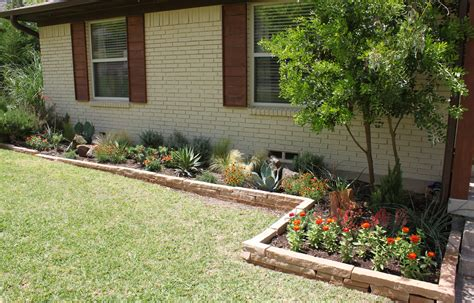 flower beds in front of house finally finished those flower beds the cavender diary