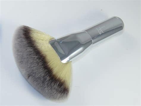 Kuas Make Up Of The Shine Fan Brush Kipas brush make up 101 fia revenian in s
