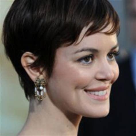 soft feminine hairstyle short bob style with short crop short feminine pixie haircut latest popular pixie cut
